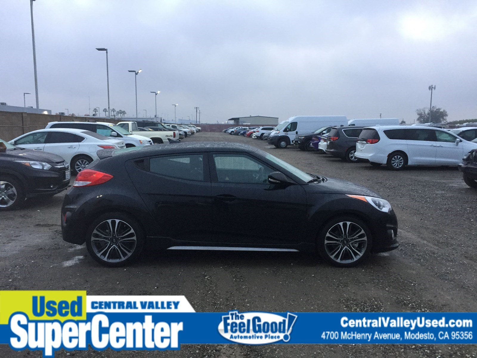 Pre-Owned 2017 Hyundai Veloster Turbo